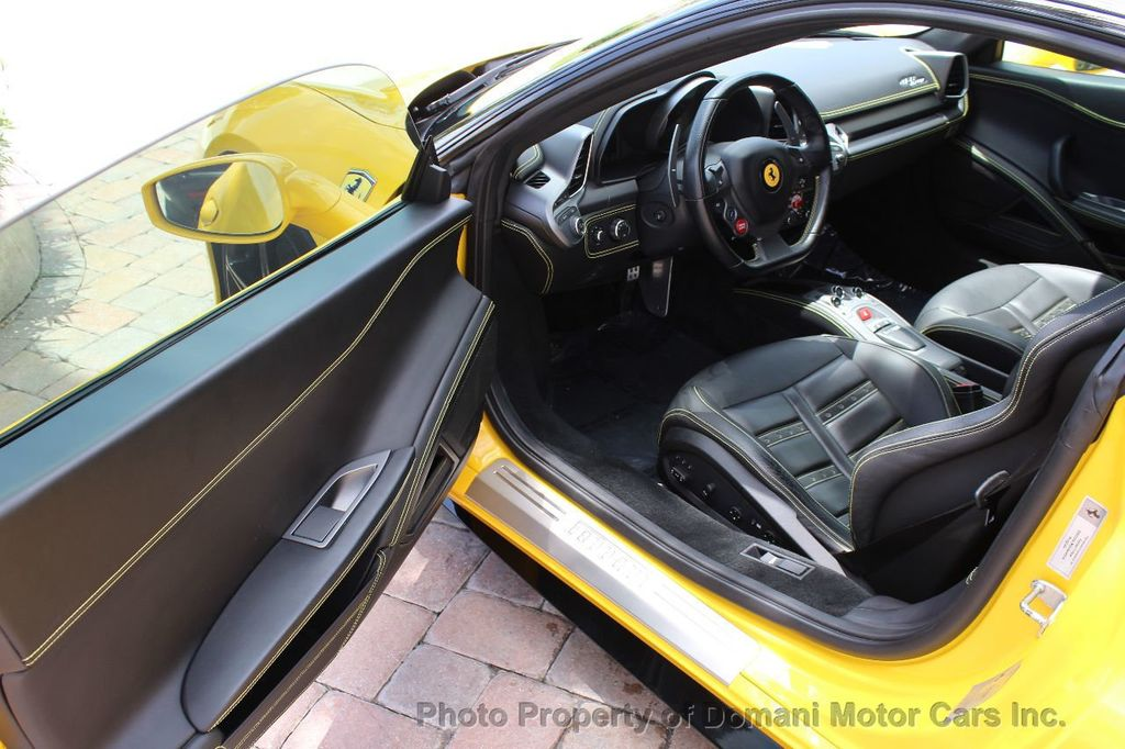 2012 Ferrari 458 Italia ONLY 8k MILES ON THIS BEAUTIFULLY OPTIONED BUMBLE-BEE 458 COUPE - 16638912 - 31