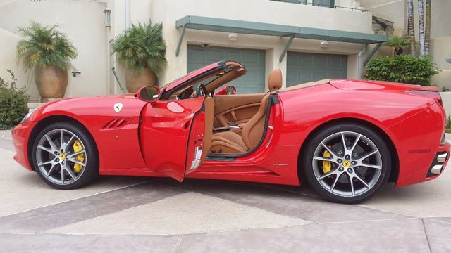2012 Ferrari California 2dr Convertible - 15446477 - 13