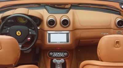 2012 Ferrari California 2dr Convertible - Click to see full-size photo viewer