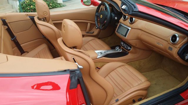 2012 Ferrari California 2dr Convertible - 15446477 - 29