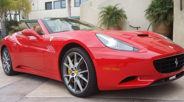 2012 Ferrari California 2dr Convertible - 15446477 - 3