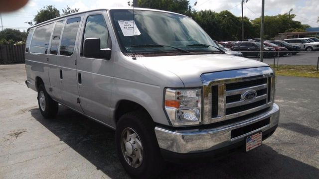 2012 Ford Econoline Wagon E-350 Super Duty Ext XL - Click to see full-size photo viewer