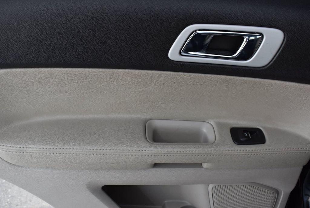 2012 Ford Explorer FWD 4dr XLT - 16518992 - 11