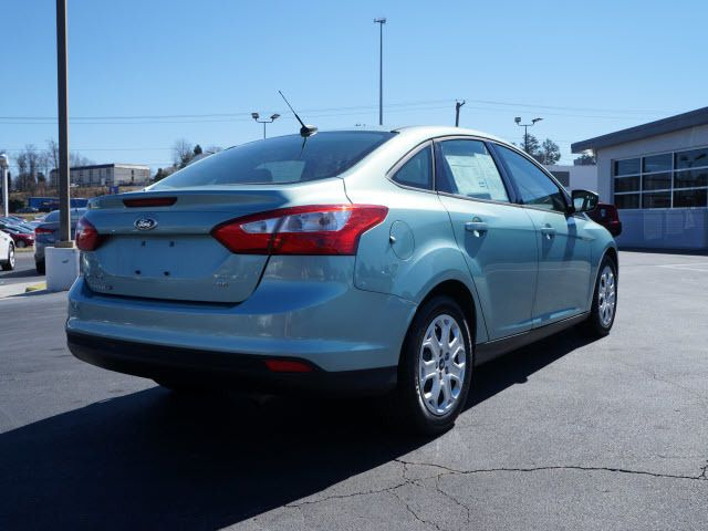 2012 Ford Focus 4dr Sdn SE - 11735131 - 1