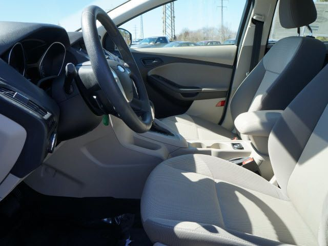 2012 Ford Focus 4dr Sdn SE - 11735131 - 4
