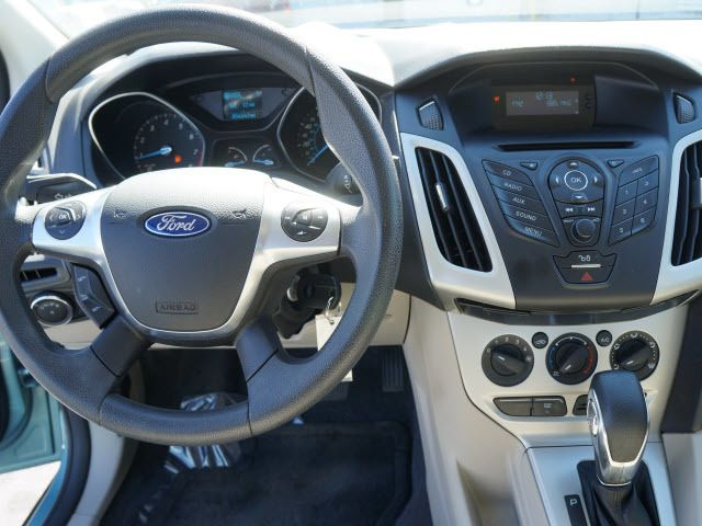 2012 Ford Focus 4dr Sdn SE - 11735131 - 6