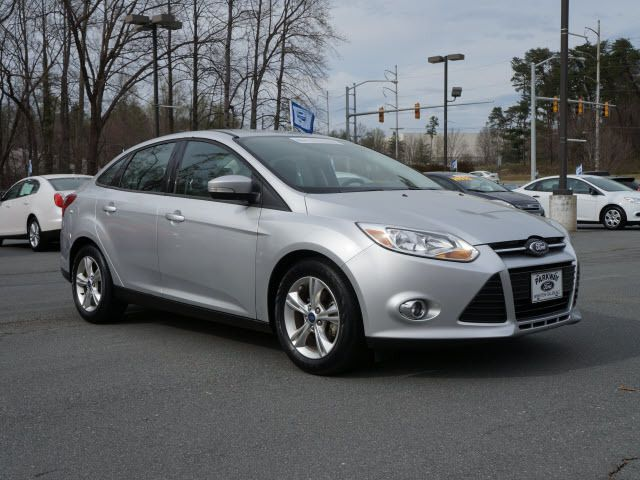 2012 Ford Focus 4dr Sdn SE - 11911595 - 0