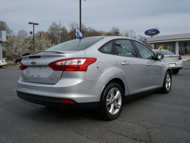 2012 Ford Focus 4dr Sdn SE - 11911595 - 1