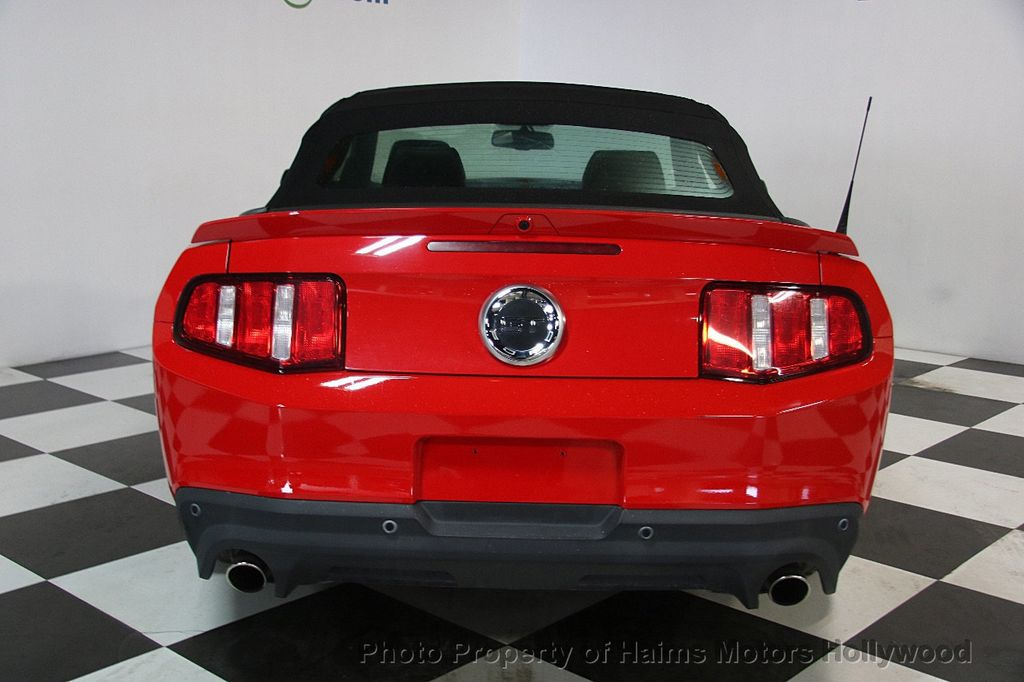 2012 Ford Mustang 2dr Convertible GT - 17235647 - 9