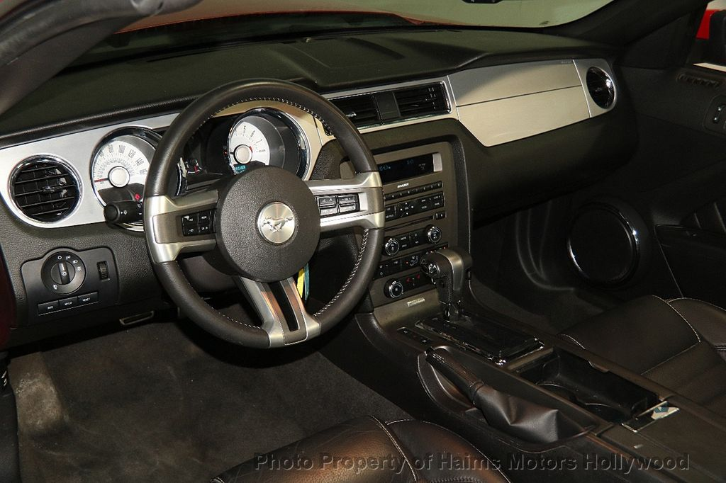 2012 Ford Mustang 2dr Convertible GT - 17235647 - 19