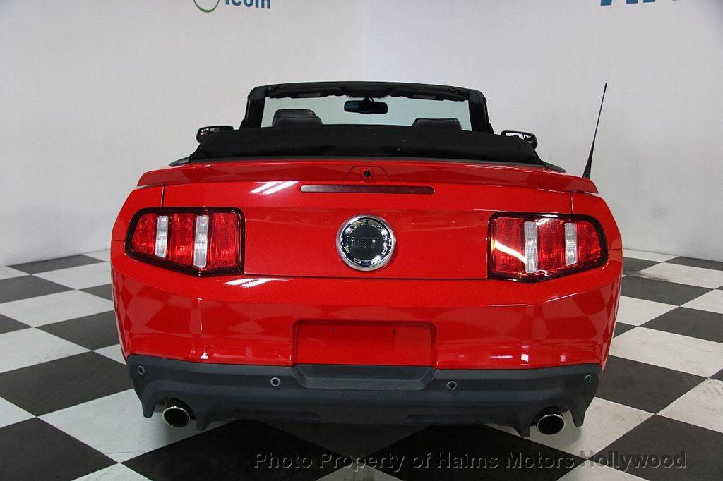 2012 Ford Mustang 2dr Convertible GT - 17235647 - 5