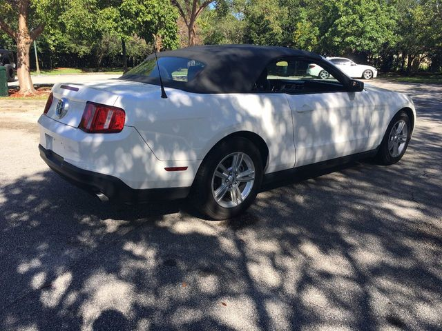 2012 Ford Mustang 2dr Convertible V6 - Click to see full-size photo viewer