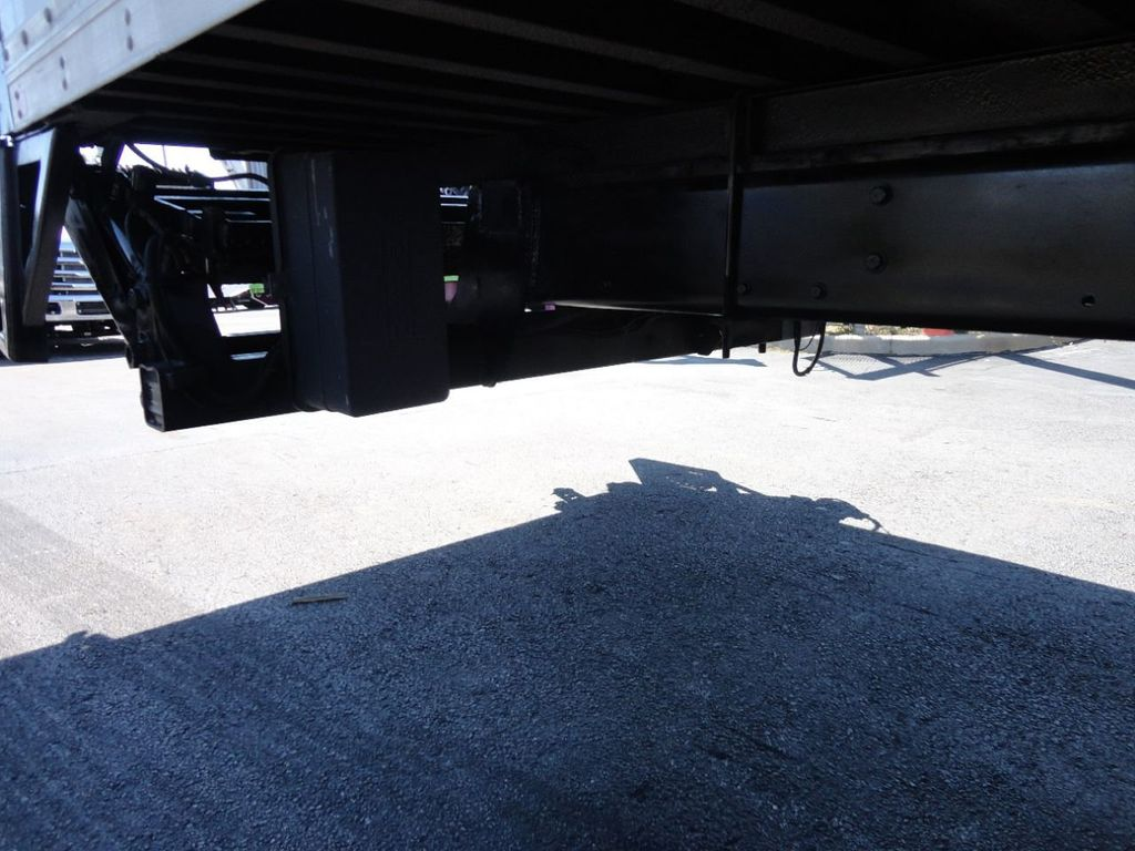 2012 Freightliner BUSINESS CLASS M2 106 25,950LB GVWR UNDER CDL..26FT X 102 X 102 BOX.LIFTGATE - 17456203 - 16