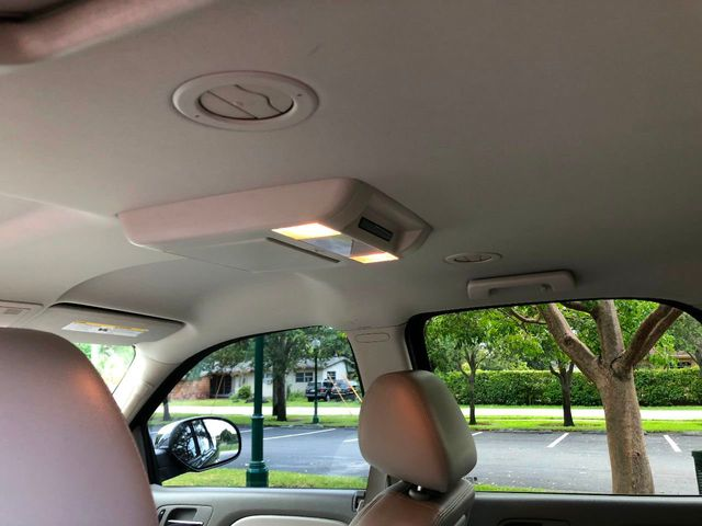 2012 GMC Yukon 2WD 4dr 1500 SLT - Click to see full-size photo viewer