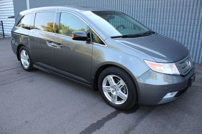 2012 Honda Odyssey ONE OWNER TOURING LEATHER MOONROOF NAVIGATION & DVD Van