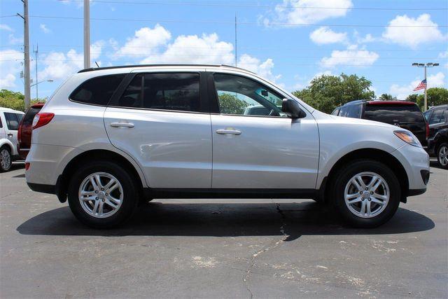 2012 Hyundai Santa Fe FWD 4dr I4 GLS   Click To See Full Size Photo