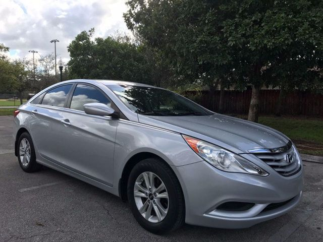 2012 Hyundai Sonata 4dr Sedan 2.4L Automatic SE - Click to see full-size photo viewer
