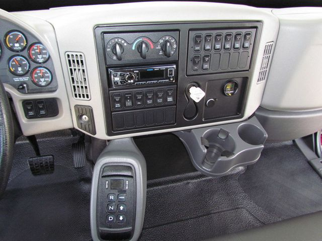 2012 International 7400 Mechanics Service Truck - 15787971 - 23