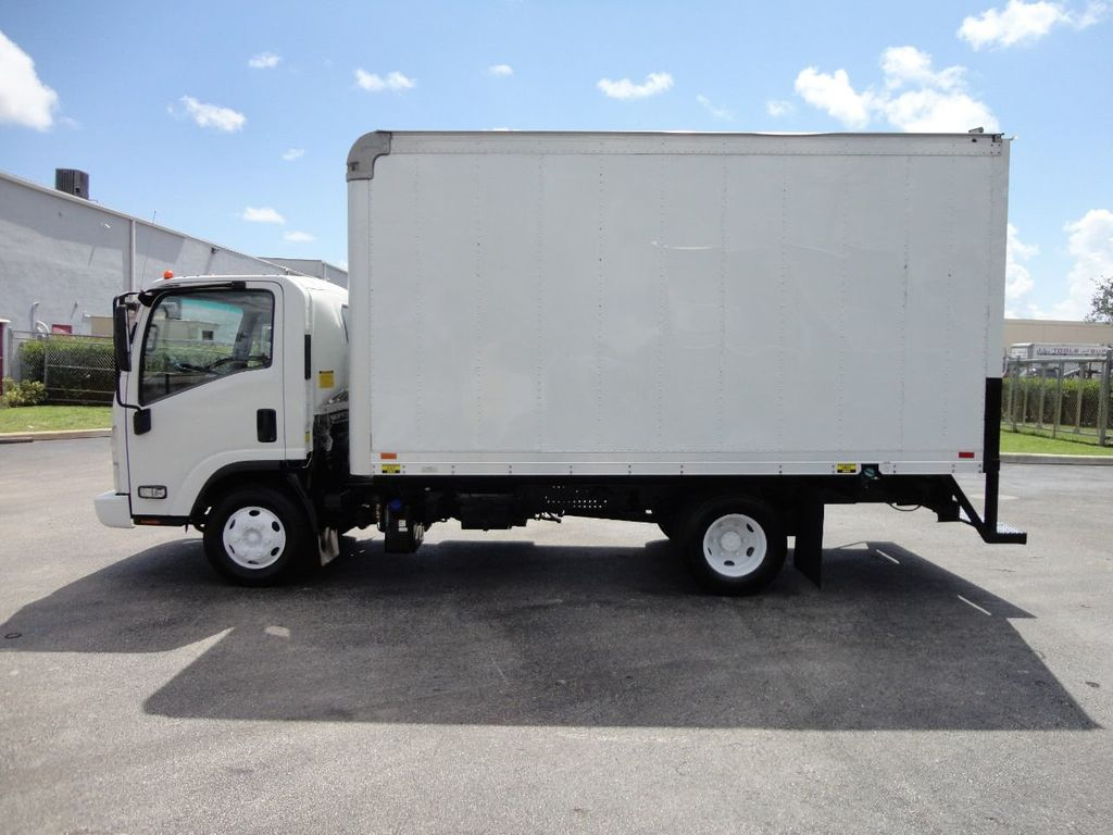 2012 Isuzu NPR 14FT DRY BOX CARGO BOX TRUCK WITH PULL OUT RAMP - 17964349 - 2