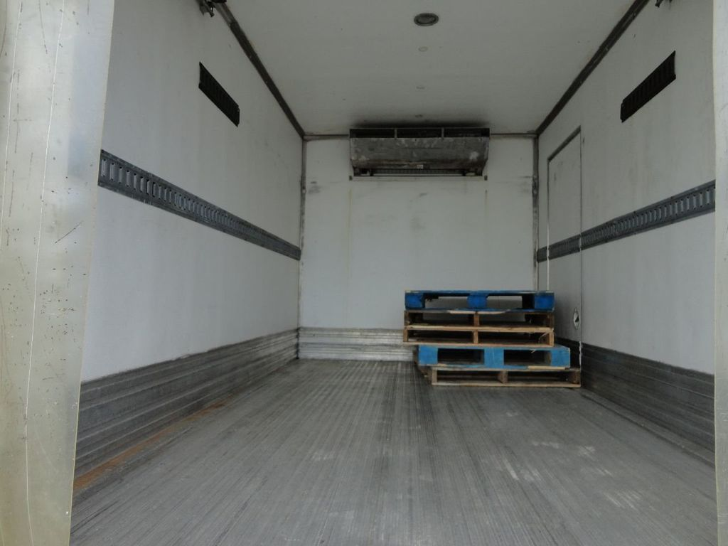 2012 Isuzu NPR HD 16FT REFRIGERATED BOX / SELF CONTAINED CARRIER UNIT - 17538040 - 15