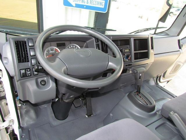 2012 Isuzu NPR HD Box Truck 4x2 - 12502371 - 17