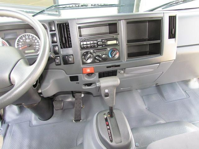 2012 Isuzu NPR HD Box Truck 4x2 - 12502371 - 19