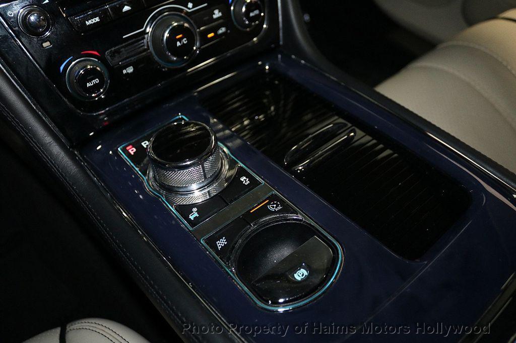 2012 Jaguar XJ 4dr Sedan XJL - 18581502 - 24