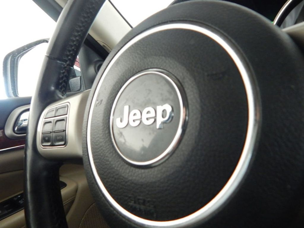 2012 Jeep Grand Cherokee Limited - 17916871 - 25