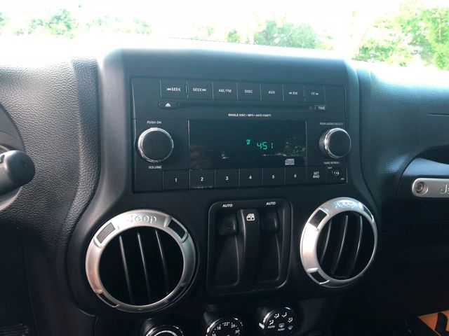 2012 Jeep Wrangler 4WD 2dr Sahara - Click to see full-size photo viewer