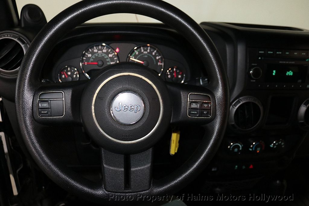 2012 Jeep Wrangler Unlimited 4WD 4dr Freedom Edition - 18327187 - 35