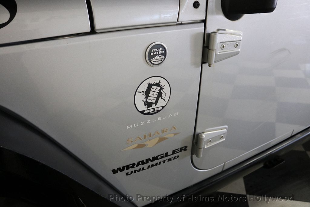 2012 Jeep Wrangler Unlimited 4WD 4dr Sahara - 18663321 - 17