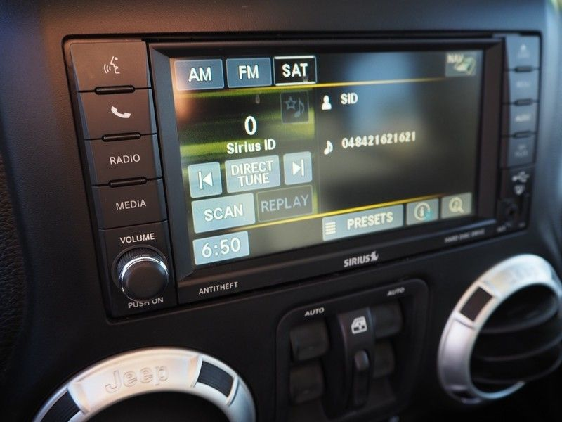 2012 Jeep Wrangler Unlimited 4WD 4dr Sahara - 17753936 - 21