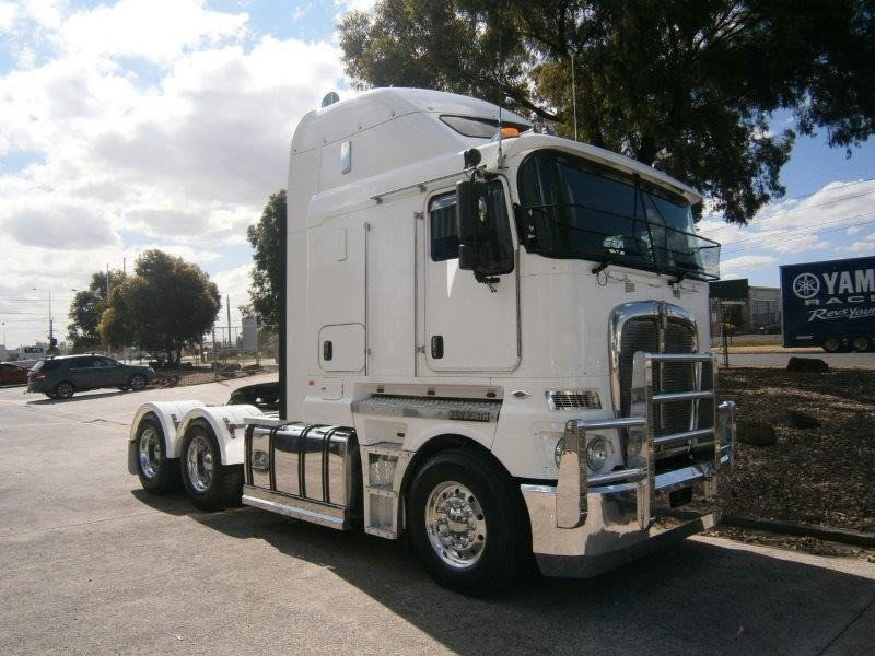 2012 Kenworth K200 K200 BIG CAB 6x4 - 18638315 - 0