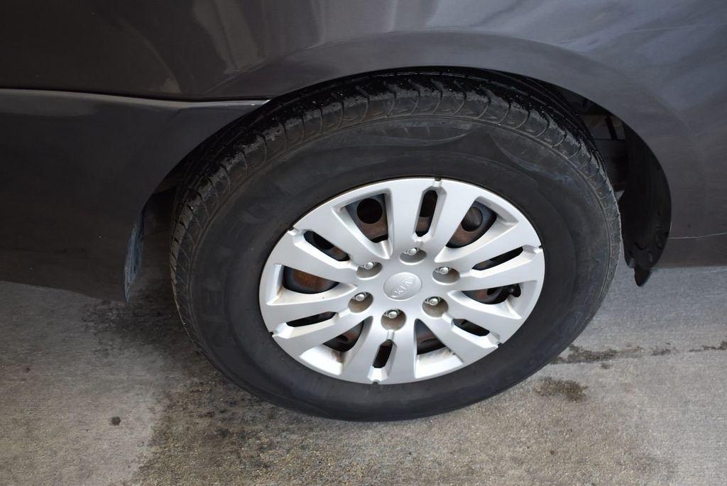 2012 Kia Sedona 4dr Wagon LX - 17924481 - 11
