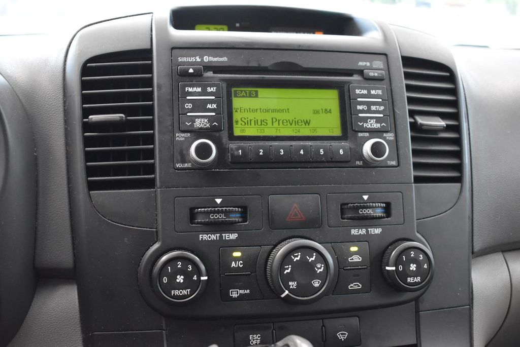 2012 Kia Sedona 4dr Wagon LX - 17924481 - 16