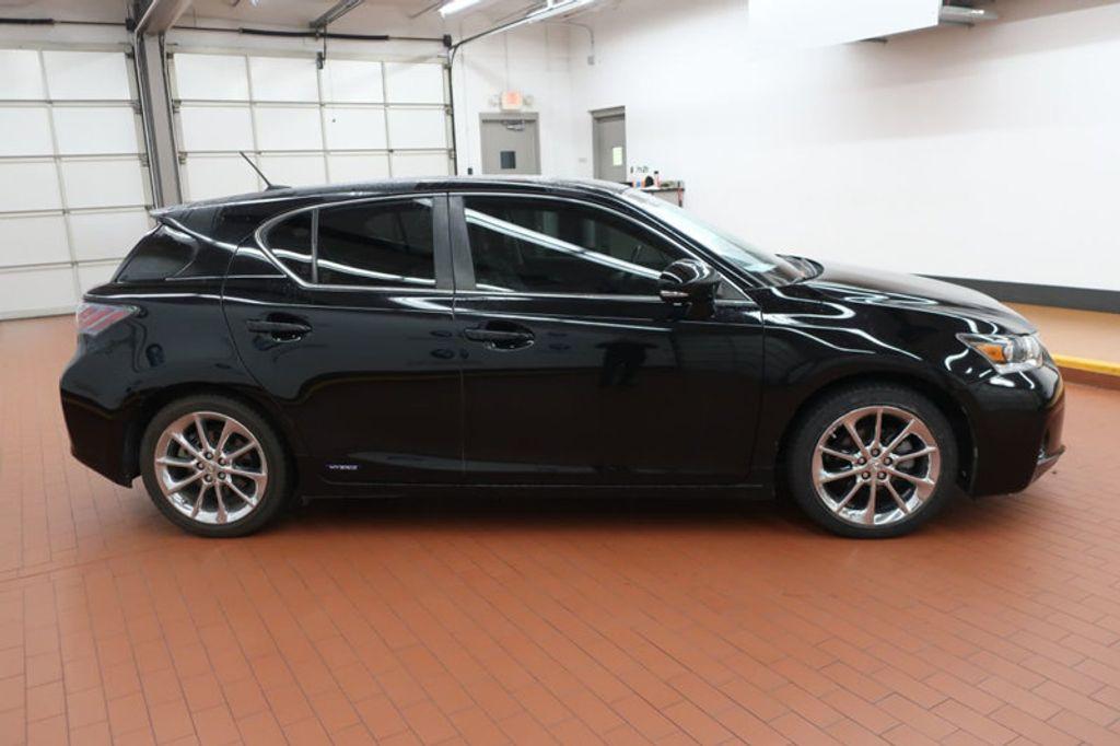 2012 Lexus CT 200h FWD 4dr Hybrid - 17034330 - 4