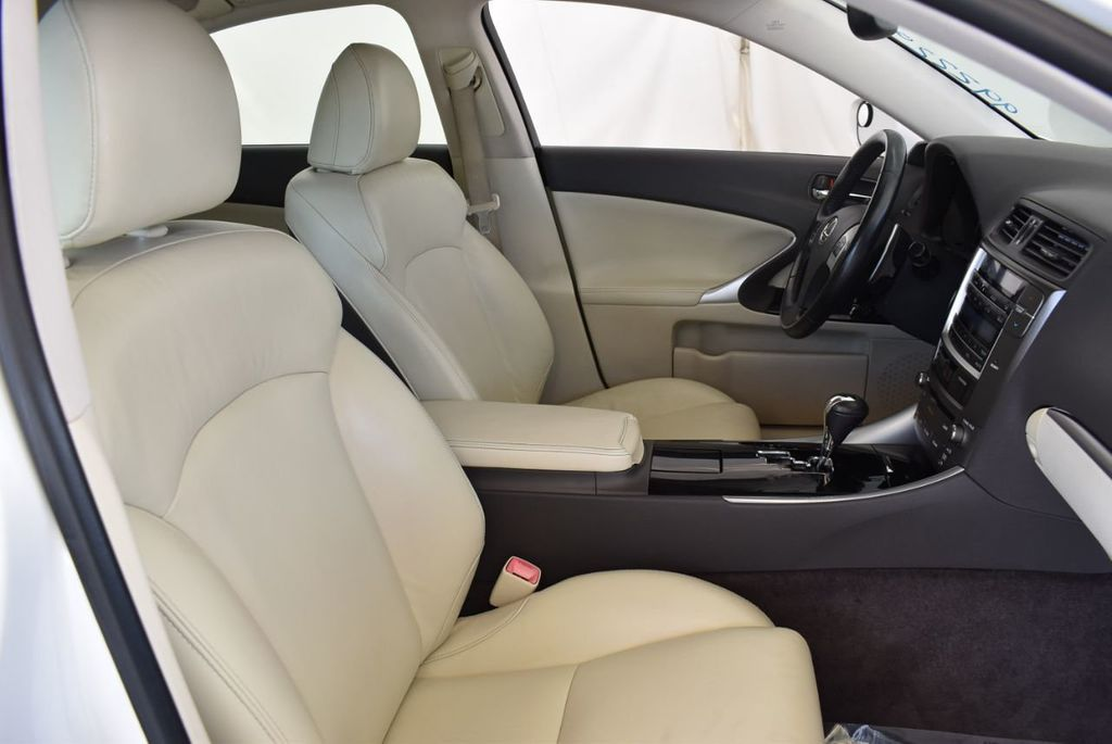 2012 Lexus IS 250 Base Trim - 18044372 - 24