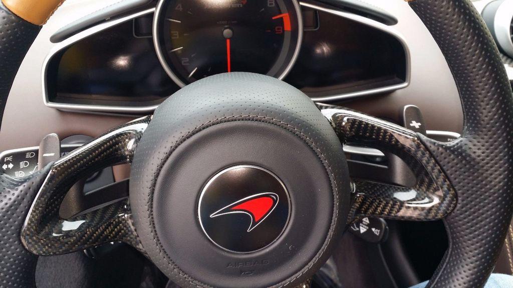 2012 McLaren MP4-12C Coupe - 15610711 - 11