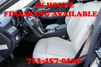 2012 Mercedes-Benz CLS 2012 Mercedes-Benz 4dr Sedan CLS 550 RWD, Luxury Seats, Clean!! - Click to see full-size photo viewer