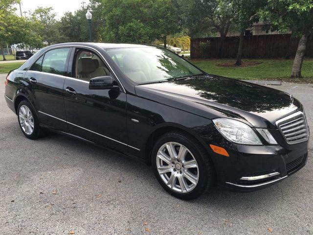 2012 Mercedes-Benz E-Class 4dr Sedan E350 Luxury BlueTEC RWD - Click to see full-size photo viewer