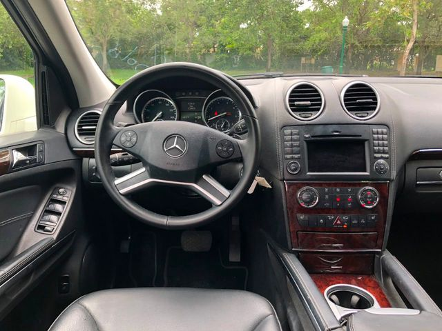 2012 Mercedes-Benz GL-Class GL450 4MATIC - Click to see full-size photo viewer