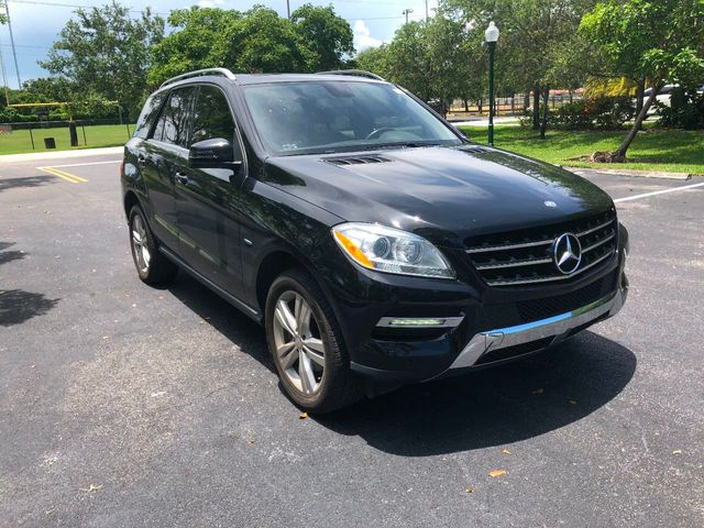 2012 Mercedes-Benz M-Class  - Click to see full-size photo viewer
