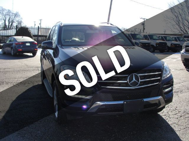 2012 Mercedes-Benz M-Class ML 350, 4MATIC, LEATHER, SUNROOF, NAV, BACK UP CAM, HEATED SEATS - 17226835 - 0