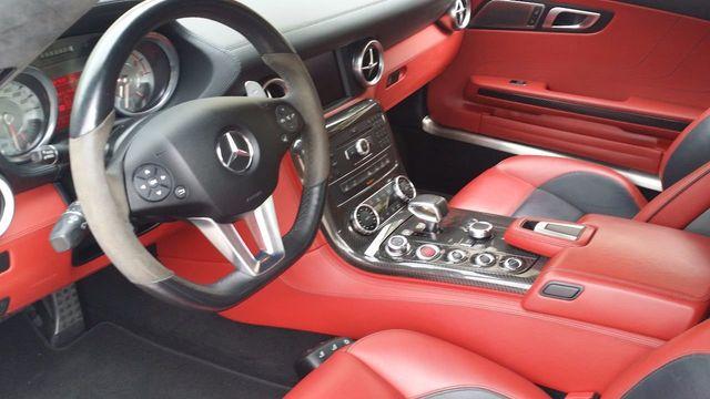 2012 Mercedes-Benz SLS AMG 2dr Roadster SLS AMG - 15792314 - 17