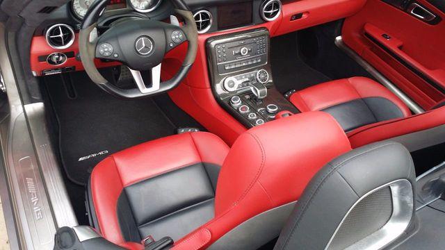 2012 Mercedes-Benz SLS AMG 2dr Roadster SLS AMG - 15792314 - 21