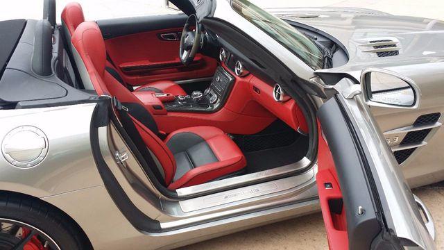 2012 Mercedes-Benz SLS AMG 2dr Roadster SLS AMG - 15792314 - 25