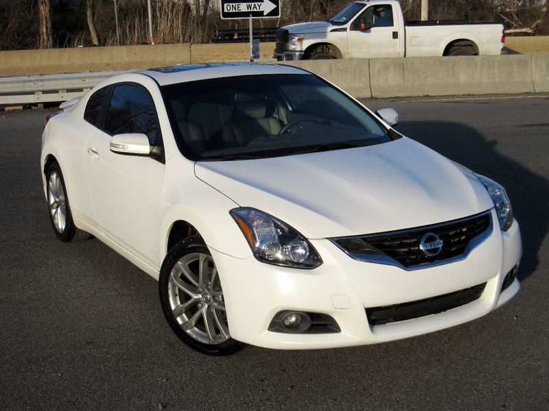 2012 Nissan Altima 2dr Coupe V6 Manual 3.5 SR - 19913694 - 1