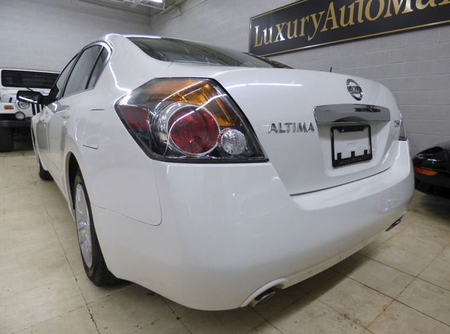 2012 Nissan Altima 4dr Sedan I4 CVT 2.5 S - Click to see full-size photo viewer