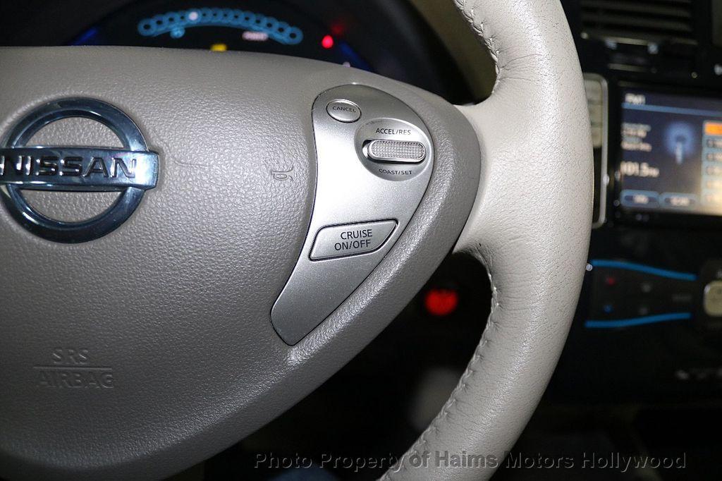 2012 Nissan Leaf  - 17943353 - 27
