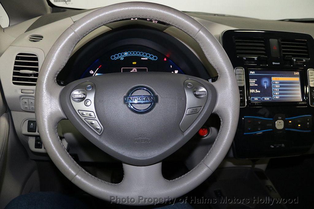 2012 Nissan Leaf  - 17943353 - 29